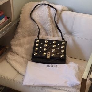Be&D Shoulder Bag